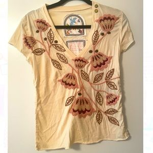 Hand-stitched embroidered v-neck tee by Joystick